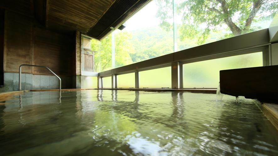 広々とした内湯の大浴場