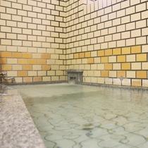 お風呂は温泉です。