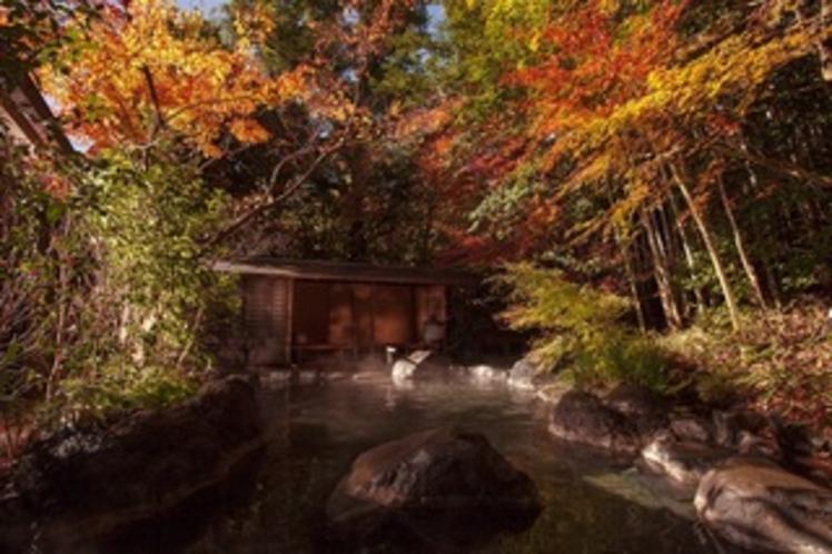 大浴場露天風呂・紅葉