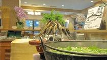 郷土鍋は、「きりたんぽ」「山の芋」「だまこ」(きりたんぽを団子状にしたもの)を日替わりでご用意