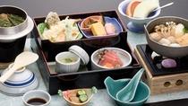 松花堂弁当 メインのお鍋は秋田を代表する「きりたんぽ鍋」「山の芋鍋」「だまこ鍋」からお選びください。