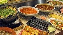 パスタやローストビーフ、ハンバーグなどの洋食料理が登場することもあります。