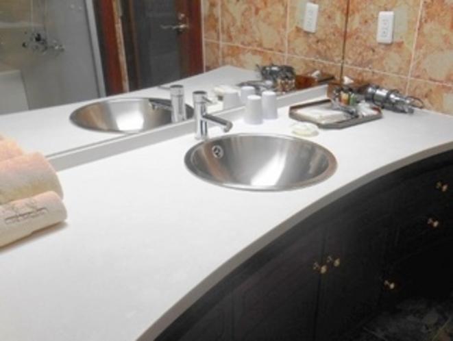 スイートルーム洗面台