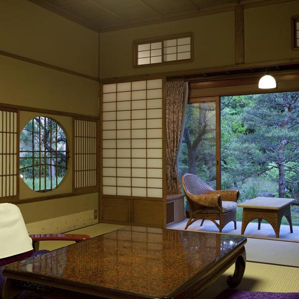 豊年虫 客室例