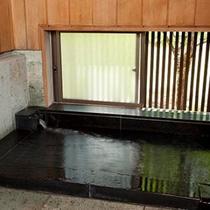 豊年虫 客室風呂例