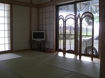 広々の9畳和室