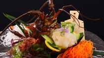 【伊勢海老お造り】新鮮で大振りな伊勢海老は、甘みもありぷりっとした食感が絶品です
