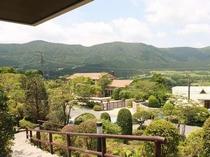 玄関前風景 外輪山の風景をお楽しみください