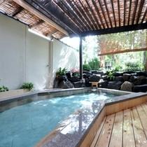 錦の湯露天風呂