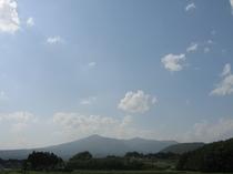 登山の季節の安達太良山