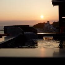 ■貸切露天風呂「天上の湯」から望む夕日