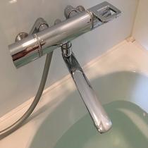サーモスタット式の混合水栓