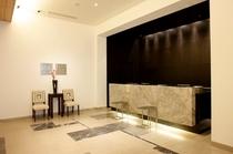フロント・レセプション:ホテル2Fにございます