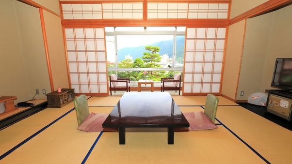 約1100坪の日本庭園を眺めて寛ぐ和室10畳
