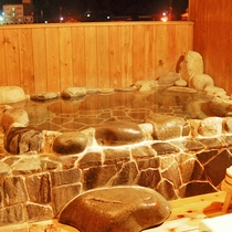 岩の貸切露天風呂
