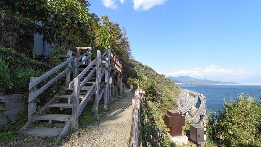 **【周辺/薩た(さった)峠】歌川広重の「東海道五十三次」の浮世絵の風景。絶景の撮影スポットはこちら