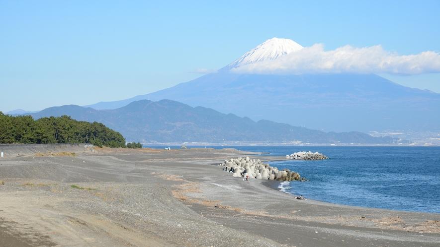**【周辺/鎌ヶ崎】松と富士山を眺められる撮影スポット/当館から遊歩道沿いに徒歩10分