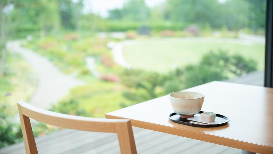 **【周辺/日本平夢テラス】2Fカフェでは軽食やお茶と和菓子がいただけます(写真は一例)
