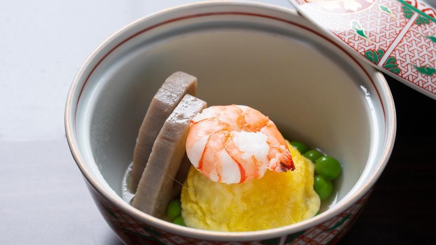 **【夕食一例:煮物】新じゃが芋の黄美煮