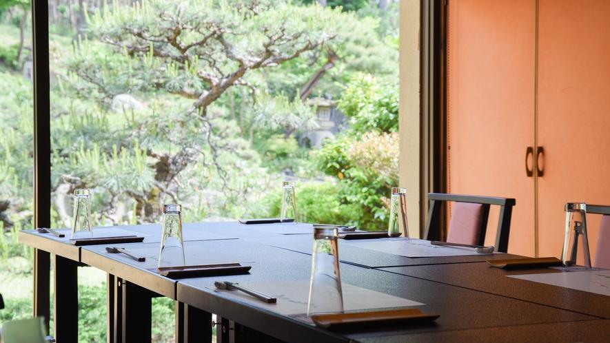 **【個室食事処一例】庭園を眺めながらのんびりお食事していただけます(指定不可)