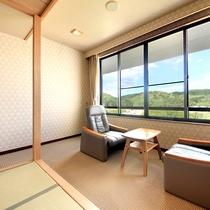 長生館…和室13畳、広縁、バス・トイレ付。