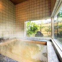 貸切家族風呂『琴』…大浴場近くの大理石の貸切風呂です(有料)