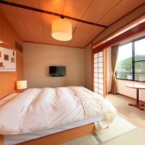 和室シングルルーム禁煙…和室6畳にシモンズ製のセミダブルベッドが入っております。