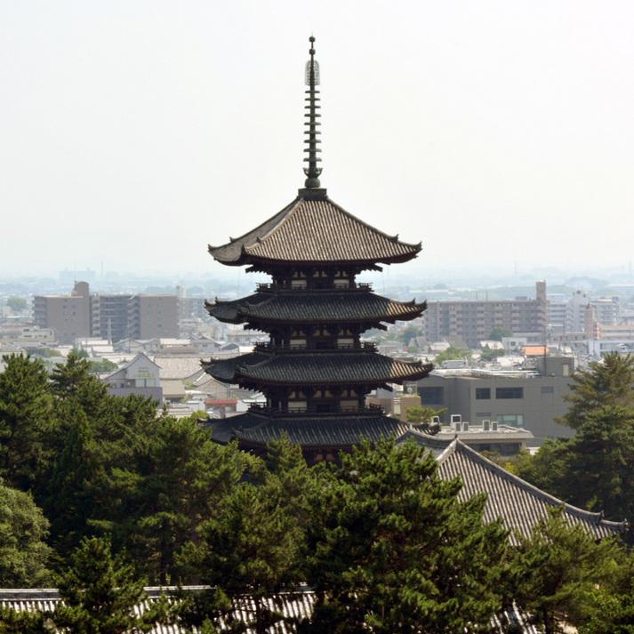 県庁屋上から興福寺・五重塔