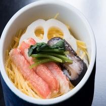 ずわい蟹の蒸し寿司