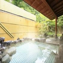 大浴場の外には露天風呂