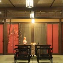 【帳場】季朝家具の大きなイストテーブル