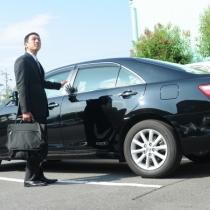 駐車場(先着順で15〜翌10時で520円、満車の際は別途駐車場をご案内します。)