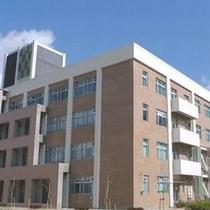 三重大学(三重大学までは車で約5分、徒歩で15分の位置にございます。)