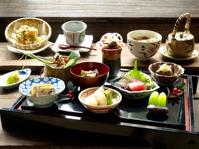 日本料理 紀元茶寮 懐石一例