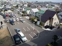 100台駐車ができる平面駐車場完備!無料!!