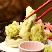 夕食一例(春)_山菜の天ぷら