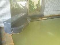 大浴場「弘法の湯」殿方湯(内湯) 【撮影時 温泉の色・ライムグリ-ン】