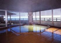 緑色の神秘的な温泉 大浴場「弘法の湯」ご婦人湯