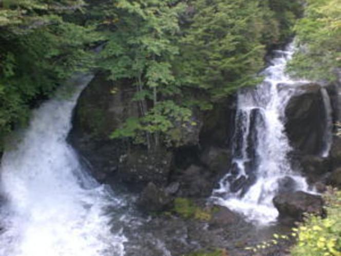 初秋の竜頭の滝