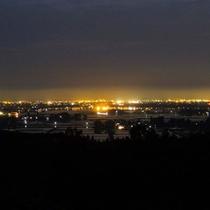 【夜景】素敵な夜景、高田平野と妙高連山を一望できます。
