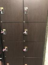 2F 女性大浴場 脱衣室 鍵付きロッカー