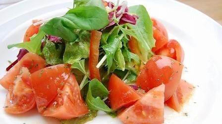 夕食メニュー:トマトサラダ トマトたっぷりで健康的♪