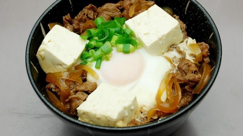夕食メニュー:牛すき丼