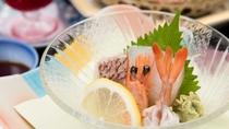 *【夕食一例】旬の味覚をお届けするために、メニューを毎月替えております。