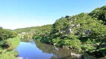 *【当館目の前の川】今出川が目の前に広がる静かな温泉旅館。