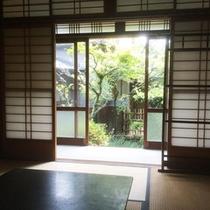 *窓から見える美しい景色は、四季によって様々な表情を魅せてくれます。