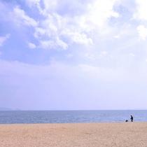 *【沙美海水浴場】】「日本の渚百選」に選ばれた海水浴場。瀬戸内海の穏やかな風景の中で楽しめます。