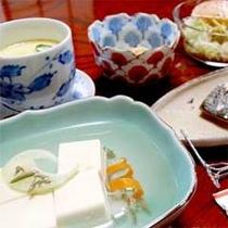 【ご朝食一例】熱々の茶碗蒸しがでることも。