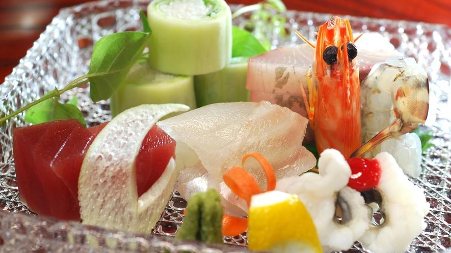 *【お造り一例】市場から仕入れた新鮮な食材をご堪能くださいませ。