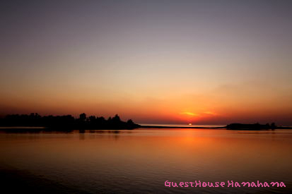 近所の久松漁港からの夕日
